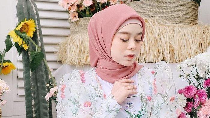 Reaksi Rizky Billar saat Lesty Disindir Tak Pantas Jadi Wanita Tercantik di Dunia: Banyak Orang Iri