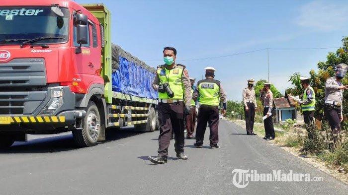 Kecelakaan Maut di Dusun Bogang Tuban, Libatkan Kijang dan Truk, Enam Orang Tewas di Lokasi Kejadian