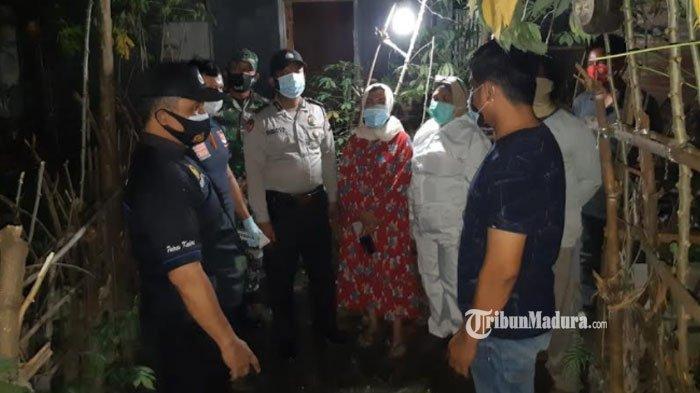 Olah TKP penemuan mayat wanita di Desa Krenceng, Kecamatan Kepung, Kabupaten Kediri, Sabtu (13/2/2021)malam.