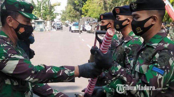 Komando Armada II Terjunkan 750 Prajurit untuk Perbaiki Musala & Taman Pendidikan Quran di Bangkalan