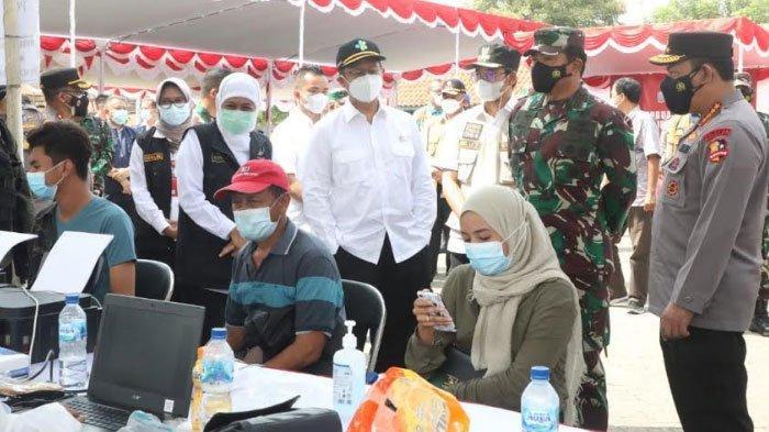Panglima TNI dan Kapolri Tinjau Vaksinasi di Bangkalan, Berikan Semangat Warga Untuk Perangi Covid