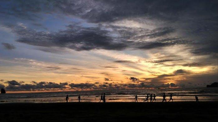 Pantai Konang Trenggalek, Tempat Romantis Menikmati Sunset, Bisa Jadi Wisata Kuliner Juga