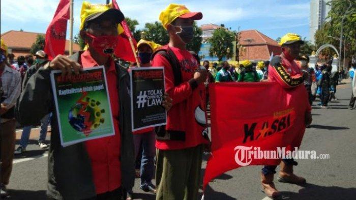 Deretan Pasal Kontroversial UU Cipta Kerja Usai Disahkan, Gelombang Protes Mengalir, Rugikan Buruh