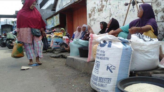 Penyebaran Virus Corona di Indonesia Tak Memengaruhi Harga Bahan Pokok di Kabupaten Sampang