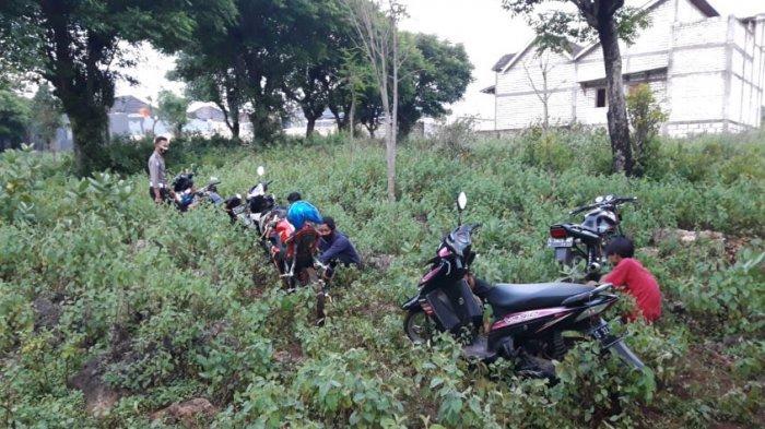 Aksi Konvoi Knalpot Brong di Ring Road Tuban Diobrak Polisi, Pengendara Kocar-kacir Sampai ke Sawah