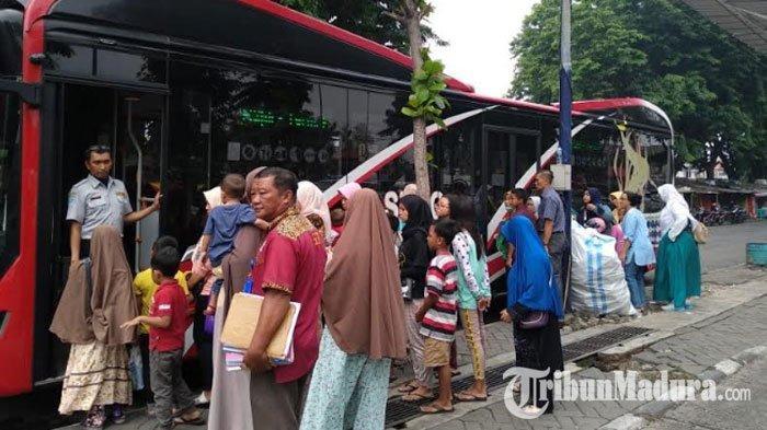 Libur Natal dan Tahun Baru Tiba, Suroboyo Bus Jadi Magnet Warga untuk Keliling Kota Surabaya