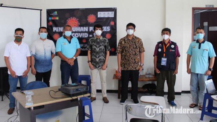 COVID-19 di Perusahaan Jadi Sorotan, Relawan RS Lapangan Kogabwilhan II Indrapura Gelar Sosialisasi