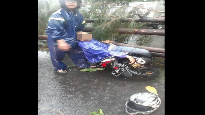 Pasangan Suami Istri Tewas Miris Tertimpa Pohon Tumbang di Samping Kantor Gubernur Jatim di Surabaya