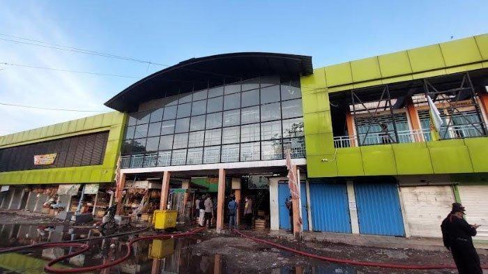 BREAKING NEWS - Kebakaran Lantai II Pasar Kembang Surabaya, ada Dugaan Penyebab Kebakaran