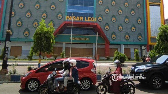 Pasar Legi Ponorogo, Selasa (1/6/2021).