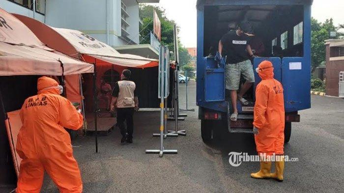 Pasien Covid-19 asal Bangkalan Terindikasi Terpapar Varian Baru, Dirawat di RS Lapangan Indrapura