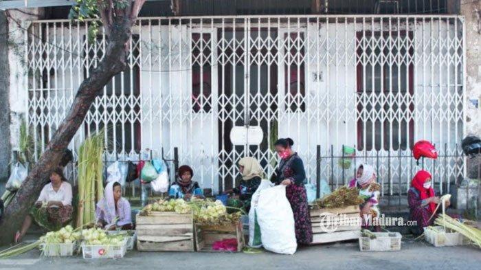 Pedagang Ketupat Dadakan di Surabaya Mulai Menjamur Jelang Hari Raya Idul Fitri, Ini Lokasi Lapaknya