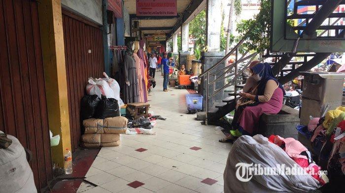 Pasar Tradisional di Surabaya Tetap Buka Asal Pedagang & Pembeli Patuhi Protokol Kesehatan Covid-19