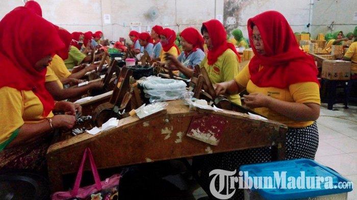BREAKING NEWS - 42 Karyawan Pabrik Rokok di Paiton Probolinggo Terkonfirmasi Positif Covid-19