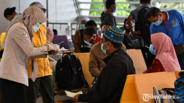 Ribuan Pekerja Migran Mudik ke Jawa Timur, Satu Orang Dilarikan ke RSUD Dr Soetomo dari Malaysia