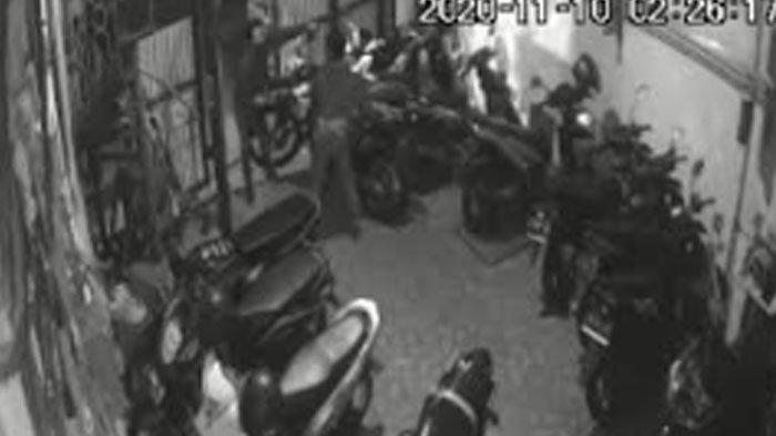 Rekaman CCTV Menguak Aksi Maling yang Menggasak Motor Honda CRF di Rumah Kos, Pemilik Ungkap Harapan