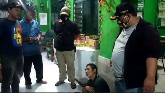 Rampas HP Driver Taksi, 2 Pria Surabaya Ditangkap Polsek Sukolilo, Modusnya Pura-pura Tanya Alamat