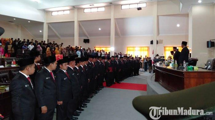 45 Anggota DPRDSampang Periode 2019-2024 Dilantik,Bupati Slamet Junaidi Beri Pesan Dewan Baru