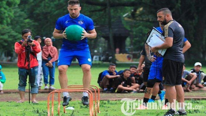 Telat Ikuti Latihan Arema FC, Mario Gomez Beber Kondisi Terbaru Trio Pemain Asing asal Amerika Latin