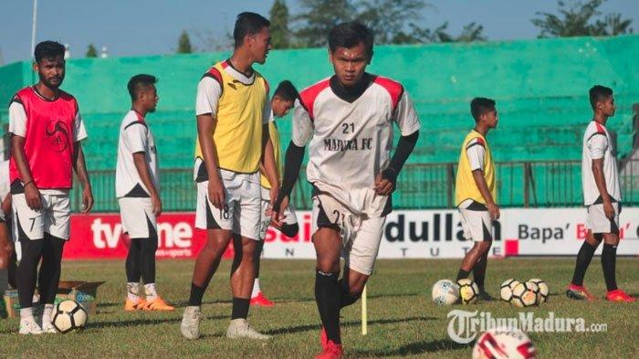 Materi Madura FC Didominasi Pemain Baru, Pelatih Matangkan Segi Taktik Jelang Menjamu Persis Solo