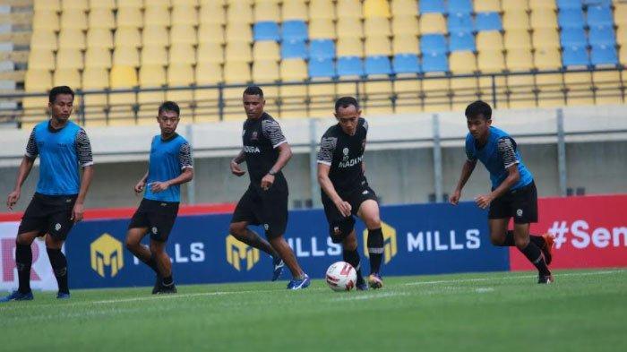 Rahmad Darmawan Tak Segan Ambil Langkah Tegas Jika Ada Pemain Madura United yang Indisipliner