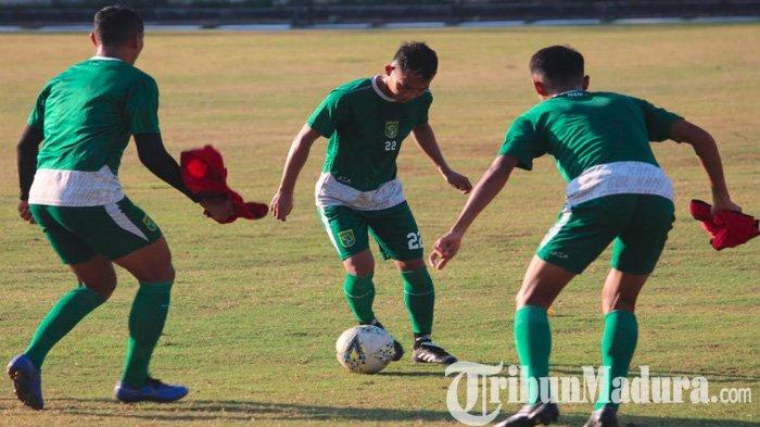 Jelang Madura United Vs Persebaya Pemain Bajul Ijo Bertumbangan, Begini Skenario Pelatih Djanur