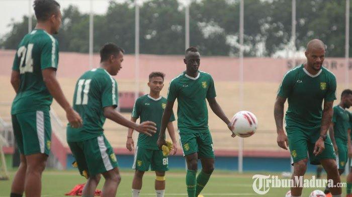 Tim PersebayaDiliburkan JelangHari Raya Idul Fitri, Pelatih Pastikan Pantau Pemain dari Jarak Jauh