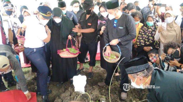 Pemakaman Fadly Satrianto Korban Pesawat Sriwijaya Air yang Jatuh, Keluarga Minta Korban Dimaafkan