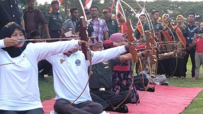 300 Pemanah Jemparingan Nusantara Unjuk Kemampuan Olahraga Kerajaan Mataram di Bangkalan Madura