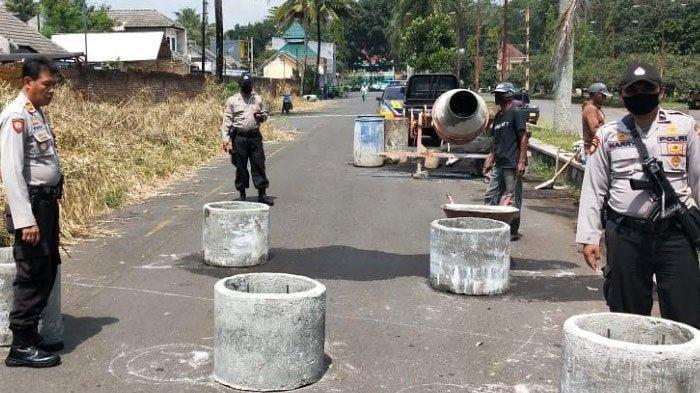 Jalan Belakang Gor Ken Arok Kota Malang Dipasangi Beton Buis, Cegah Aksi Balap Liar di Area Tersebut