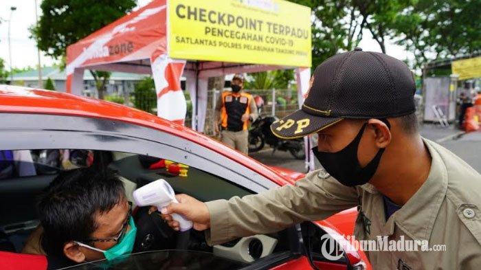 Hari Pertama PSBB Surabaya, Petugas Check Point Suramadu Minta Putar Balik Warga yang Hanya Belanja