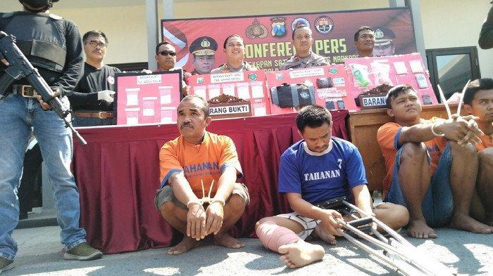 Setelah Pura-pura Kencing, Kaki Pria Pontianak Kalbar ini Tertembus Peluru Tajam di Bangkalan