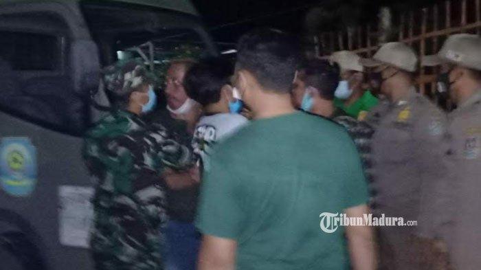 Tak Terima Didatangi Petugas Operasi Yustisi, Pemilik Warkop Ngamuk hingga Tabrak Mobil Satpol PP