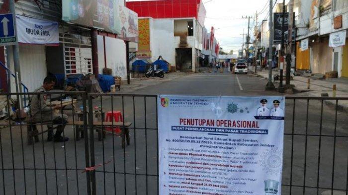 Jalan Dr Wahidin Pasar Tanjung Jember yang Ditutup Pemkab Kini Jadi Tempat Anak-anak Bermain Bola