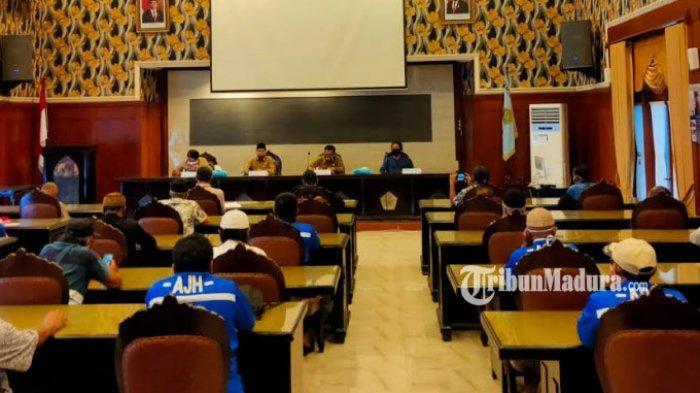 Sopir Angkot Geruduk Balai Kota Malang, Minta Kejelasan Soal Penyaluran Bantuan Sosial