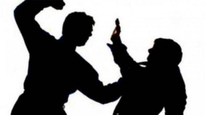 Istri Tua dan Istri Muda di Tulungagung Terlibat Bangku Hantam saat Jemput Suami