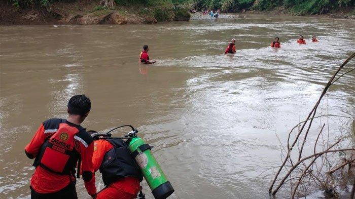 KebeletBuang Air Besar, Bocah SD Tenggelam setelah Terseret Arus Derasdi Sungai Bedadung Jember