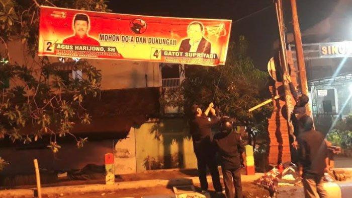 Memasuki Masa Tenang Pemilu 2019, Bawaslu Kota Mojokerto Tertibkan Ribuan APK yang Masih Terpasang