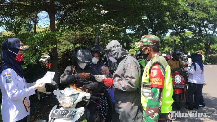 PSBB Surabaya Tahap Kedua Dimulai Hari Ini,Social Distancing Masih Jadi Masalah Pengendara Roda 4