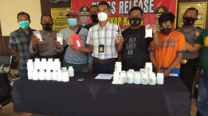 Pengedar Pil Koplo di Kalangan Pelajar Sidoarjo Ditangkap Polsek Waru, 204.000 Pil Koplo Diamankan