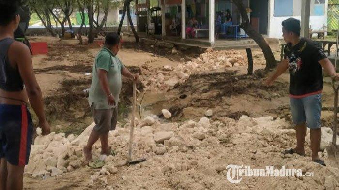Disporabudpar Sampang Minta Pengelola Pantai Lon Malang Perbaiki Kerusakan Fasilitas Secara Mandiri