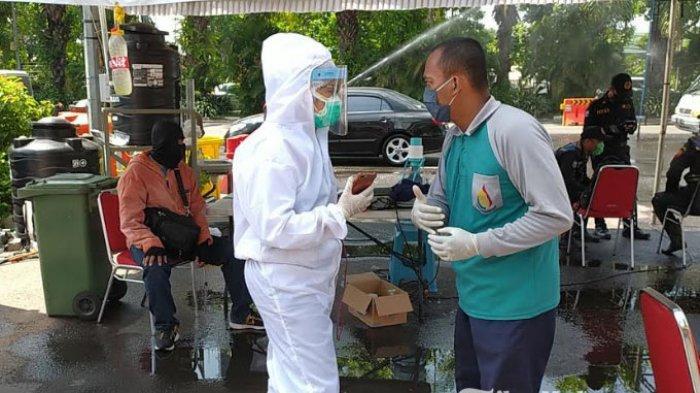 Petugas Temukan1 Pengendara asal Tulungagung Masuk Surabaya, Bawa Surat Rapid Test Positif Covid-19