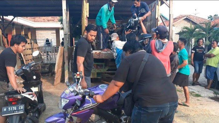 Rumah Warga Pamekasan DigerebekReskrim Polres Sampang, 10 Motor Berbagai Merek Disita Polisi