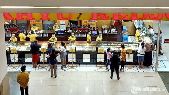 Hari Pertama Surabaya Tanpa PSBB, Mal dan Pusat Perbelanjaan Kembali Ramai Didatangi Pengunjung