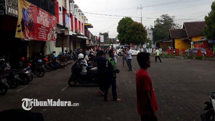 Gempa Juga Terasa di Wilayah Jember, Warga Pengunjung Ruko Sampai Berhamburan Keluar Bangunan