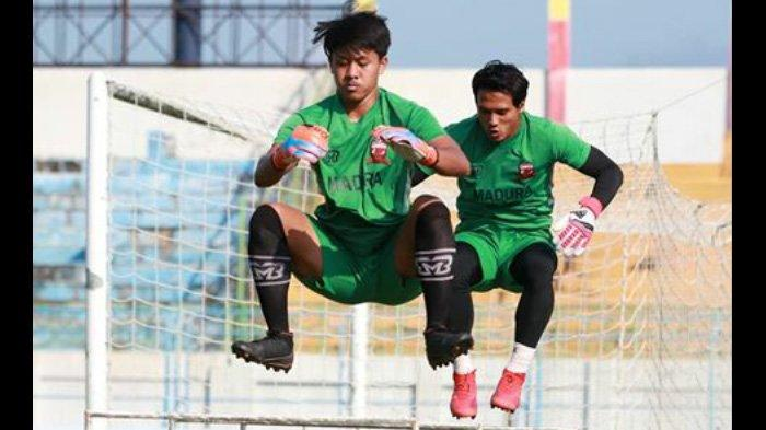 Tandang ke Markas Sriwijaya FC, Kiper Madura United Muhammad Ridho Target Gawangnya Tetap Perawan