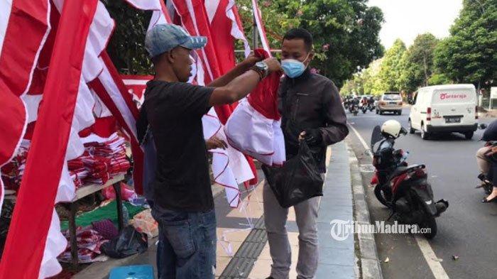 Jelang HUT Kemerdekaan, Penjual Bendera Menjerit, Omzet Penjualan Menurun Dibanding Tahun Sebelumnya