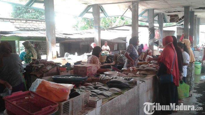 Sejumlah Ikan di Pasar Kolpajung Pamekasan Alami Kenaikan Harga Akibat Hujan dan Gelombang Tinggi