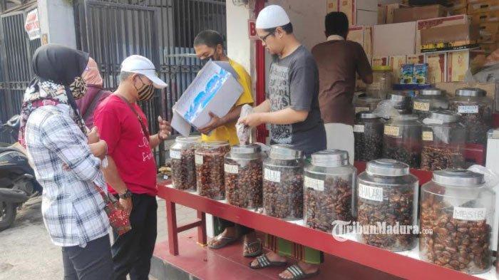 Pedagang Kurma di Kota Malang Panen Berkah saat Ramadan 2021 Tiba, Pendapatan Perhari Rp 150 Juta