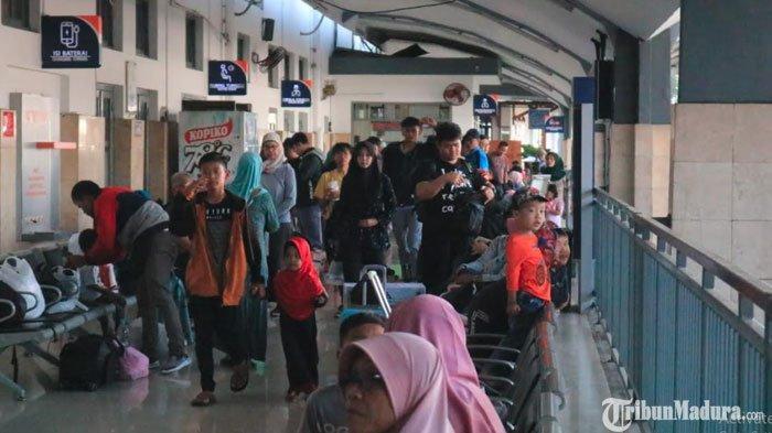 Penumpang di Stasiun Malang Melonjak Selama Musim Libur Natal & Tahun Baru, Tiket KA Masih Tersedia